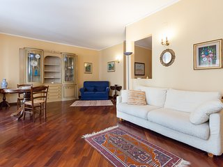 Family Apartment in a Quiet Environment, Naples