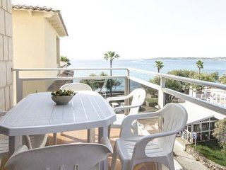 Apartment sea front 3 bed, terrace, sea view, pool, Cala Millor