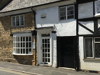 16th Century Maisonette in charming Cotswold town, Winchcombe