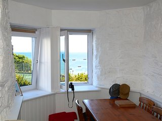 Beach View Apartment, 12 Primrose Court, St Ives