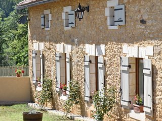 La Cote de Cor - Beautifully restored farm house 3 bedroom gite, Saint-Avit-Senieur