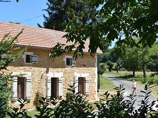La Cote de Cor - Beautifully restored farm house, Saint-Avit-Senieur