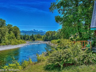 Scenic Skykomish River House, Gold Bar