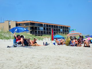 Cabana Unit 104 - Oceanfront 1 Bedroom Condo, Carolina Beach