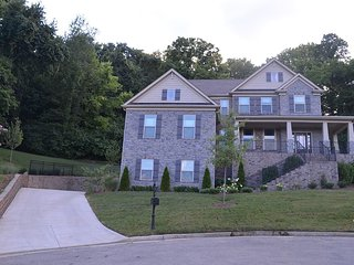 Chic Privacy 15 minutes from downtown, Nashville