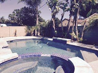 Sun Swim Getaway!  Pool + Wifi + Game Room + BBQ!, Anaheim