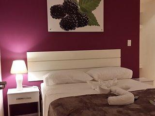 Mora es una cómoda y fresca habitación doble con baño privado.