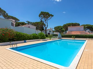Beautiful Townhouse by Marina, Pool, Garden, BBQ, Vilamoura