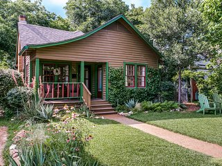 Teeny Tiny House In Little Forest Hills, Dallas