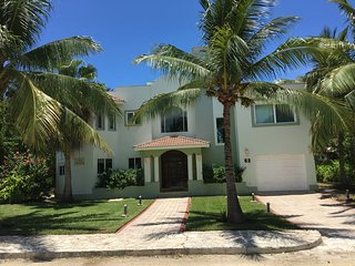 Luxurious private home in lovely Playa Paraiso