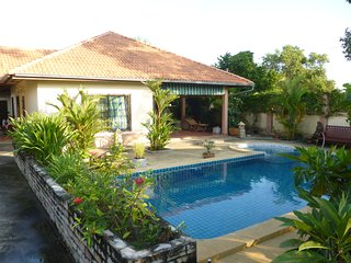 Bungalow with private pool, Rayong