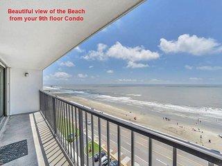 Beautiful Ocean Front 2 Bedroom Condo, Galveston