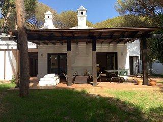 Villa en Marbella, al lado de las mejores playas, Elviria