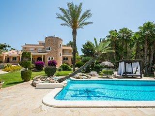 Private mansion close to Ibiza private pool/tennis