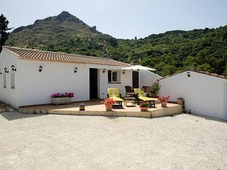 Villa Evelyn, Ideal for 2. Fully equipped, Gaucín