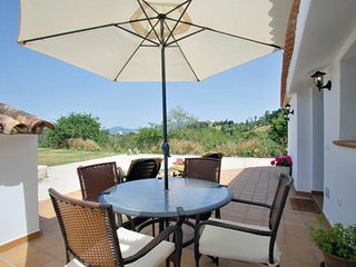 Villa Evelyn. Perfect for 2. Stunning views. Very quite zone. Fully equipped.