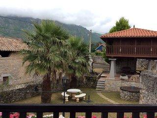 Casa de Aldea Coxiguero, Parrés