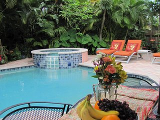 3b/3b, Private Pool, Walk to shops and dining, Fort Lauderdale