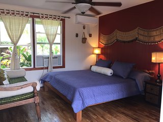 Zen Villa in Haleiwa Historic Town!