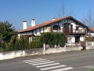 villa individual  familiar a 2 km de la playa, Hendaya
