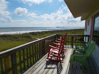 Ocean Front Beach Cottage-180 degrees ocean view, Oak Island