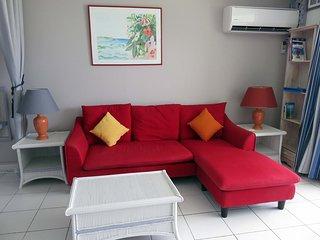 1-Orientbeachstudio-Livingroom