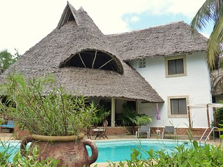 Large villa with private pool in a gated community, Diani Beach