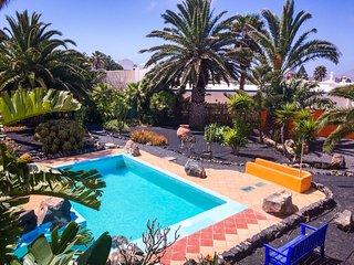 Finca Mimosa.Alte Finca mit Pool und großen Garten, Teguise