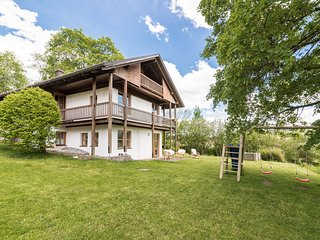 "Idyllic ""Haus Victoria"" with mountain views!"
