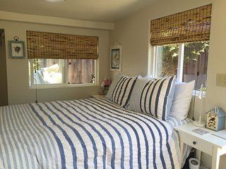 Studio Cottage lovely patio, quiet setting., Santa Cruz