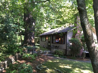 Lovely Cottage on Tryon's Best In-Town Street