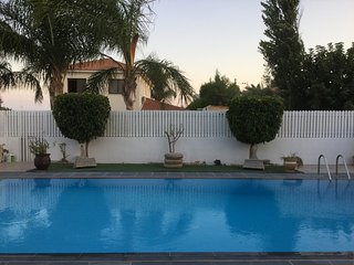 Superb, Pissouri Beach Villa, Private Pool & Car