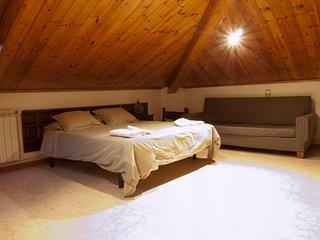 Habitación triple con baño compartido casa rural, Vilaller