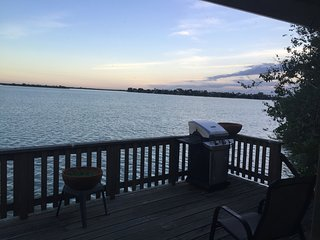 1 Bedroom Lake House Vacation Rental 25% OFF THIS WEEKND 08/10 TO 08/14