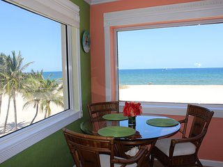 Beach Front Vacation Condo 1 bedroom 11/2 bath