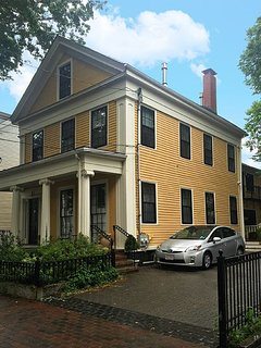 Historic 3BR Home, mins to Kendall Sq, MIT, Beacon Hill & Harvard