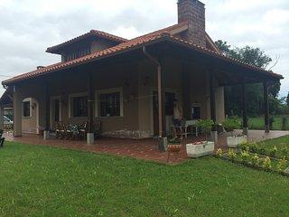Casa rural reciente construcción