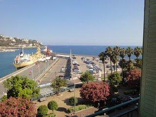 ROCCABELLA  2 / Porto con vista mare/ 2 Stanze, Nice
