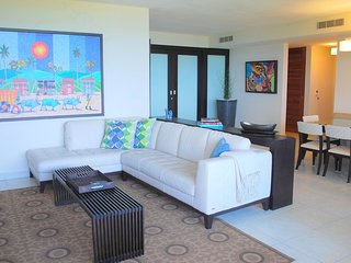 4 bedroom Oceanfront @ Wyndham Rio Mar Resort!!!, Río Grande