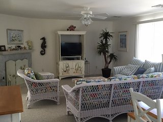 Beach Breeze 3 Bedroom Condo