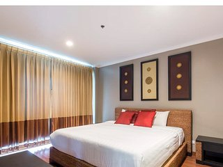 Hua Hin holiday rentals 2 bedrooms luxury condo on the beachfront-best locations