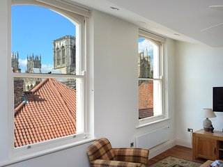 Luxury apartment in city center, Minster view, York