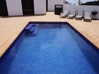 Luxury villa, secluded heated pool, wifi, aircon, Oasis de Nazaret, Lanzarote