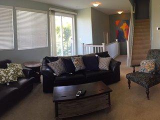 Furnished 3-Bedroom Townhouse at E Hedding St & Sakura Dr San Jose, San José