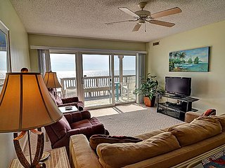 Queen's Grant C-110 - Oceanfront View, Pool, Hot Tub, Boat Ramp & Dock, Topsail Beach
