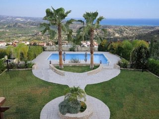 SUPER VILLA IN PISSOURI VILLAGE, A GREAT LOCATION!