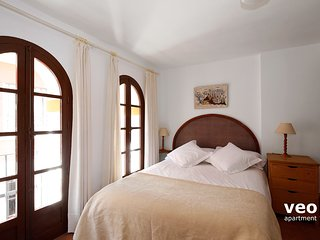 Casa Lirio | Terrace and parking in Santa Cruz, Sevilha