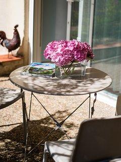 La Cabernet Sauvignon avec sa petite terrasse privative pour des moments lecture et détente.