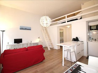 Buhan - Studio with Balcony in the Heart of Bordeaux