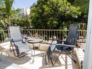 Jabotinsky - 2 Bed & Balcony, Tel Aviv